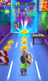 Screenshot 1: Talking Tom Gold Run 3D Game